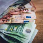Taxonómia EÚ: Komisia podniká ďalšie kroky na nasmerovanie finančných prostriedkov do udržateľných činností
